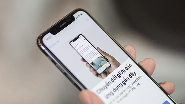 Màn hình tai thỏ của điện thoại iPhone X