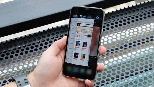 Thao tác vuốt và vuốt trên điện thoại iPhone X